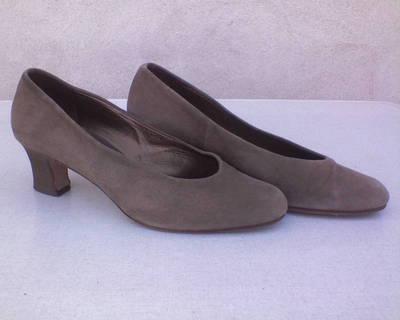 AKCIÓ! Kényelmes velúrbőr cipő 39-es