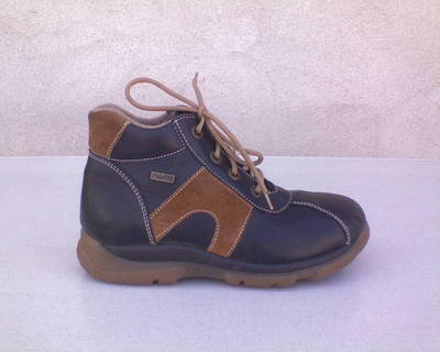 35-ös Puratex magas szárú bőrcipő