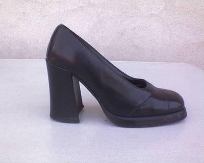 *CAVA Mini platformos tömb sarkú cipő 38-as