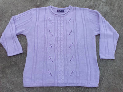 *Lila kötött pulóver kb. 52-es