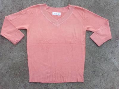 *V nyakú narancssárga pulóver kb. 40-es